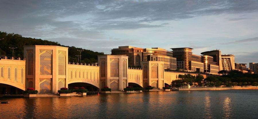 آشنایی با پل پوترا (Putra Bridge) مالزی