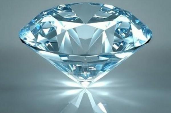 تبدیل نانولوله کربنی به الـیـاف الـماس با تابش لیزر