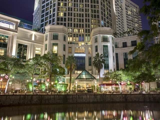هتل گرند کاپتورن واتر فرانت سنگاپور و عکس و رزرو