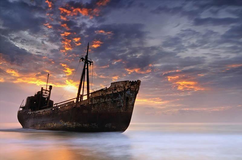 ماه عسل در کیش و بازدید از کشتی یونانی