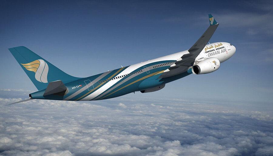 تصویر کادر پرواز کاملا زنانه یکی از هواپیماهای عمان ایر