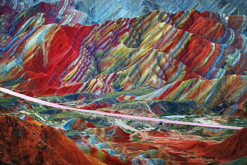 کوه های رنگین کمانی چین را باید دید تا باور کرد