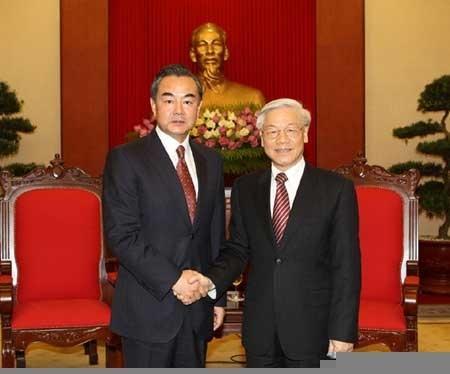 نخست وزیر ویتنام میزبان وزیر خارجه چین