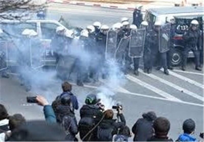 اعتراضات علیه بسته شدن مرزهای اروپا در منطقه مرزی برنر اتریش به خشونت کشیده شد