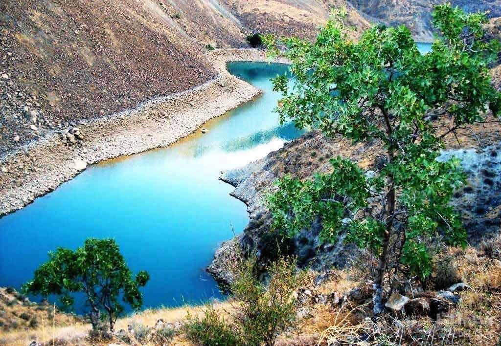 دریاچه چینی لر، فرزند زیبای زلزله
