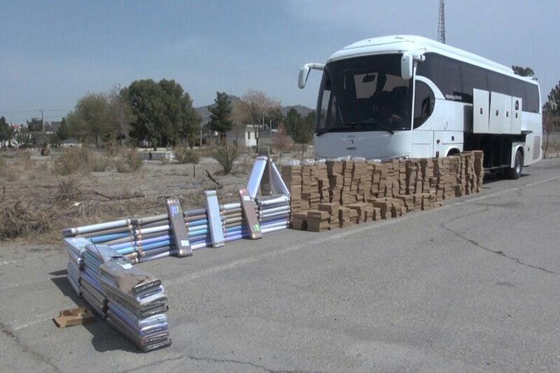 خبرنگاران اتوبوس حامل کالای قاچاق در لرستان توقیف شد