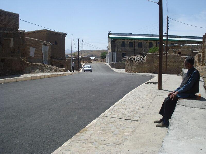 خبرنگاران درگیری کرونا در روستاهای قم کمتر از مناطق شهری است