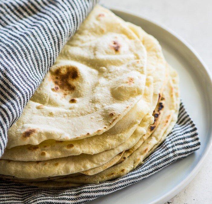 طرز تهیه تورتیلا ، نان خوشمزه مکزیکی ها را به سادگی در خانه آماده کنید