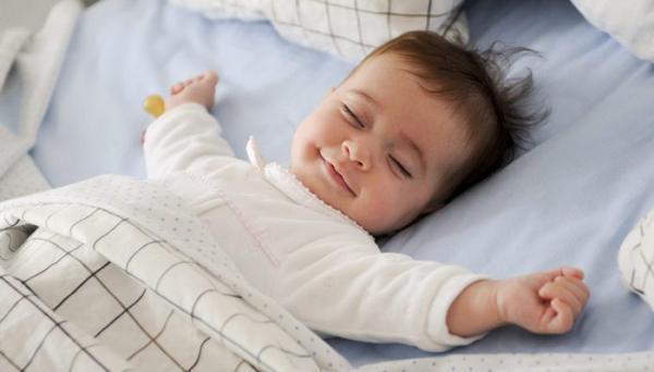 علت نخوابیدن نوزاد در شب چیست؟