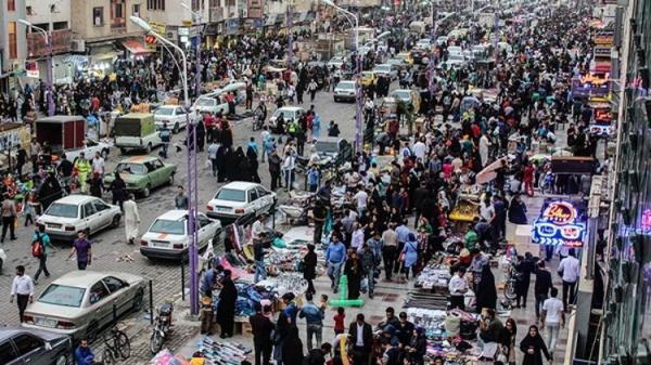 غرق آبی کردن خیابان های مرکزی اهواز برای مقابله با دستفروشان!