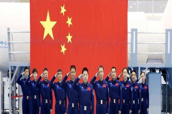 چین 12 فضانورد به فضا می فرستد