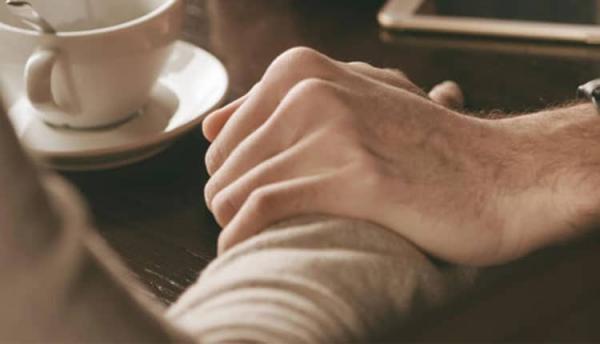 زیباترین جملات همدردی با دوست عزادار، بیمار یا همسر