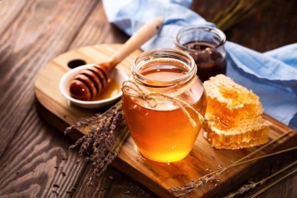 عسل را با این خوراکی ها نخورید خطرناک است