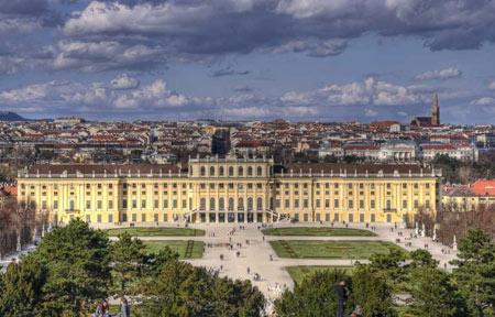 آشنایی با کاخ شنبرون در اتریش
