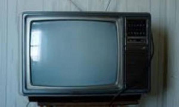 گاهی به تلویزیون نگاه نکن!